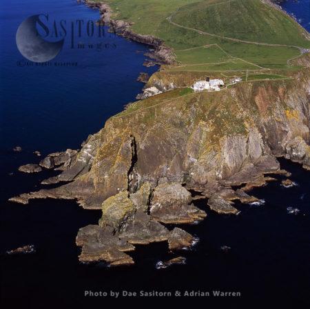 Sumburgh Head Lighthouse, Southen Tip Of Shetland Mainlan