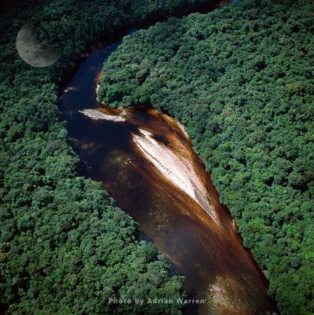 Paikwa River, Upper Mazaruni District, Riverbend And Sandbars, Guyana, South America