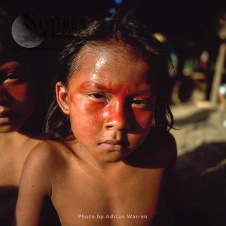 Waorani Indians : Children, Using Achiote For Decoration, Rio Cononaco, Ecuador, 2002
