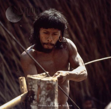 Waorani Indian : Blowgun Making, Rio Cononaco, Ecuador, 1983
