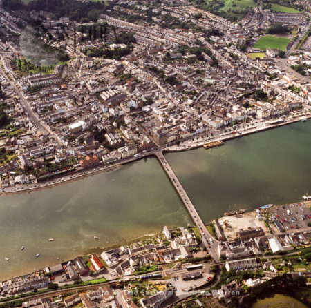 Bideford Long Bridge, Spans The River Torridge Near Its Estuary And Connect The Old Parts Of The Town Together.