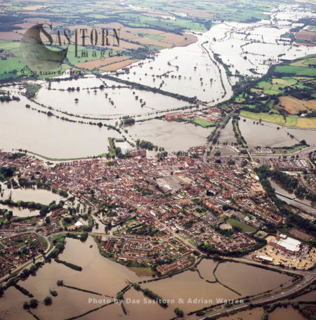 Flooding 2007 At Tewkesbury And Mitton From River Severn And Avon, Gloucestershire, England