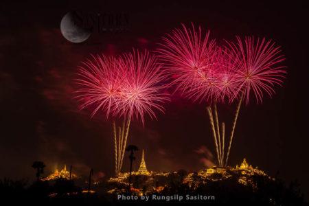 Beautiful Fireworks Show In Phra Nakhon Khiri Annual Fair At Phetchaburi Province, Thailand.